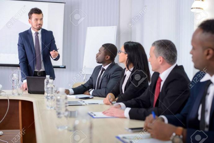 gestionnaire-des-ressources-humaines-big-0