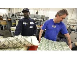 Laboratoire en chimie monetaire  billets noirs et verts etc....